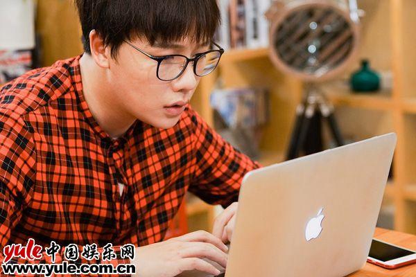 演员刘维回归大秀爆笑出演首席硬汉技术宅